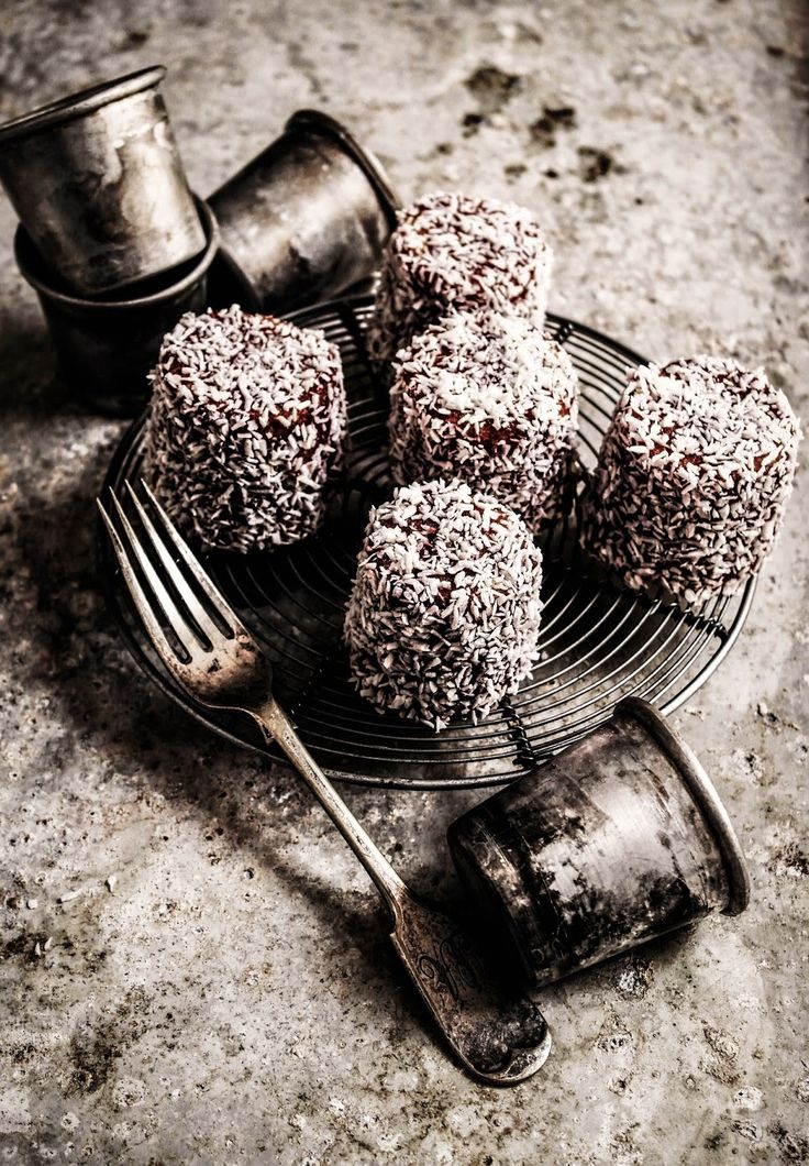 i always remember having these at school when i was little, they are quite an old fashioned cake that you don't often see to much any more, i dont no why as they are lovely. they are a...
