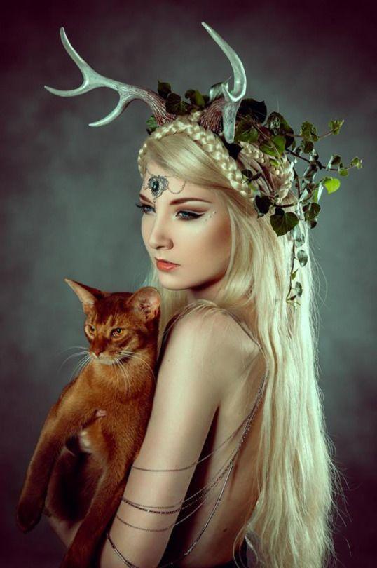 Model, makeup & hair: Maria Amanda Photography: photo by LYSA Headpiece by idolatre clothing co. Circlet by Midnight Nymphs