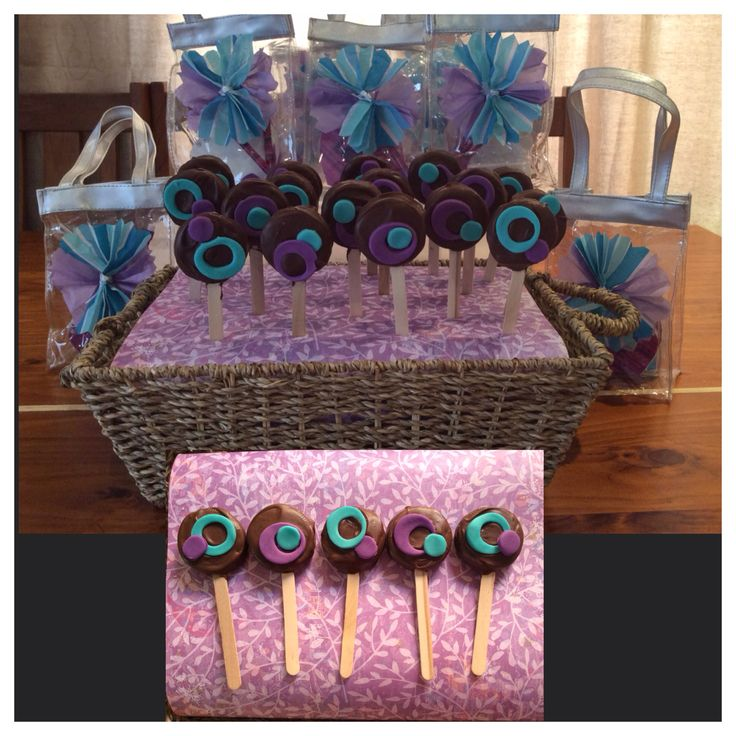 Purple and teal oreo pops