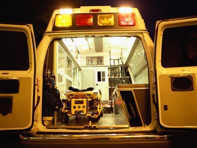 В результате ДТП в Ришон ле-Ционе пострадали три человека http://kleinburd.ru/news/v-rezultate-dtp-v-rishon-le-cione-postradali-tri-cheloveka/  В результате ДТП, происшедшего в ночь на воскресенье, 8 мая, в Ришон ле-Ционе пострадали три человека. На улице Шпринцак столкнулись два автомобиля. Прибывшие на место аварии медики скорой помощи «Маген Давид Адом» доставили пострадавших в больницу «Асаф а-Рофе» в Црифине. Состояние одного из раненых, мужчины в возрасте около 60 лет, оценивается как…