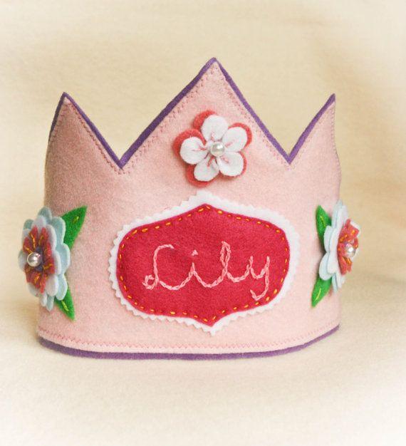 Coroa de rainha - responsável de grupo ou tarefas;