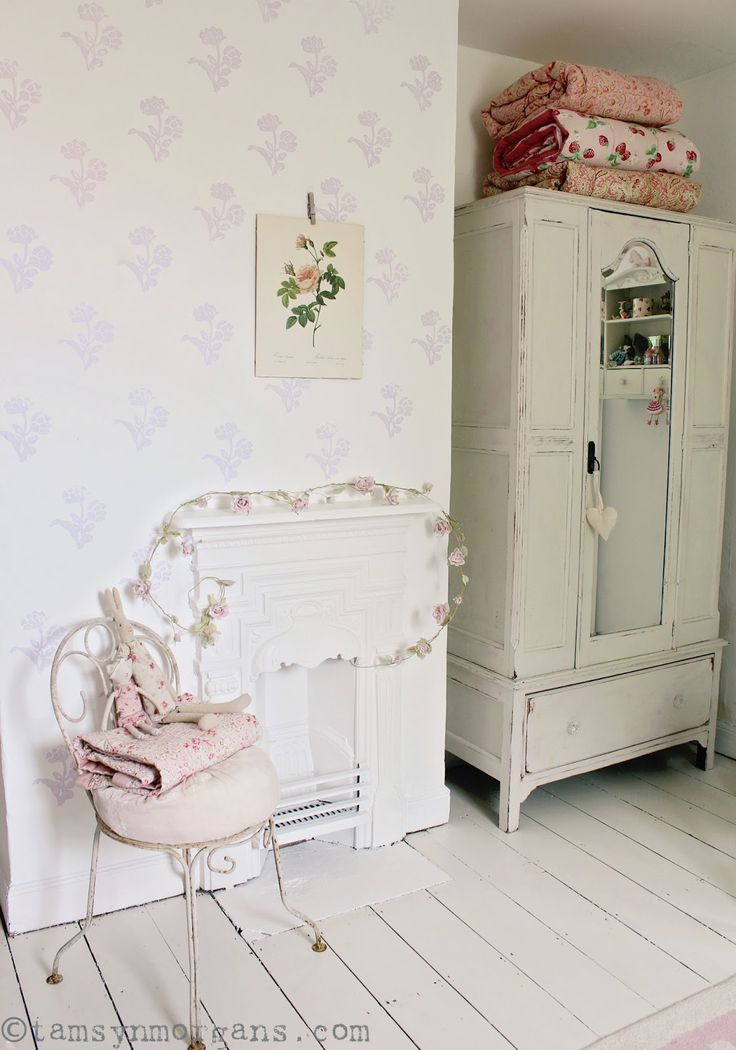 169 best chambre de jeune fille images on pinterest youth rooms knitting room and shabby chic. Black Bedroom Furniture Sets. Home Design Ideas