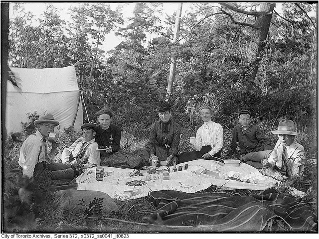 Group picnicking on Ball Island, Toronto, July 1903. #Edwardian #summer #1900s #vintage #Canada