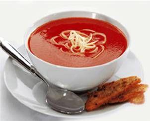 Favori çorbam domates çorbası.  Mümkünse kaşar peyniri ve kıtır ekmek eşiliğinde.