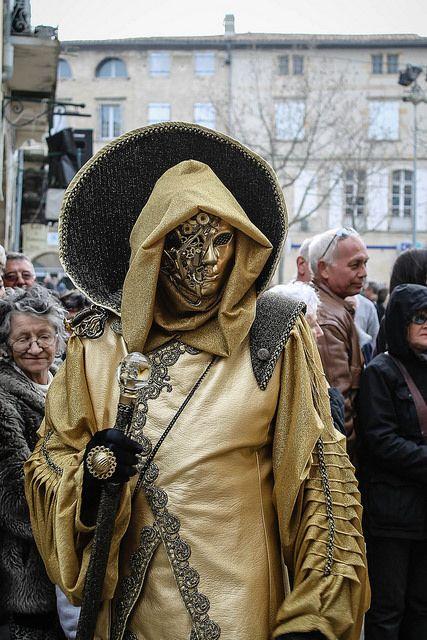 breizhell:  Venezia Steampunk on Flickr.Un des participants au carnaval de Limoux associant les costumes de Venise avec un esprit Steampunk