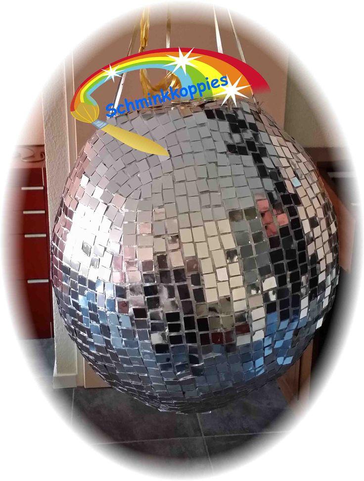 Sweet Sixteen discobol Pinata made by Schminkkoppies