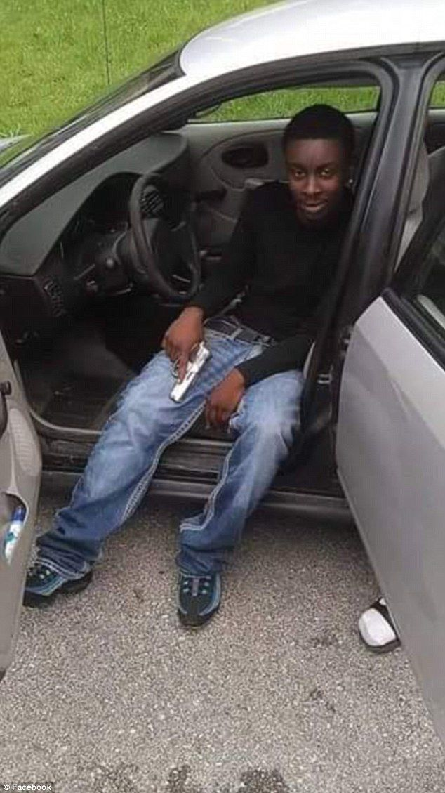 Ferguson Teen Shot by Police in 'Pistol Gang,' Flaunted Guns Online. Friend of that dead idiot Mike Brown