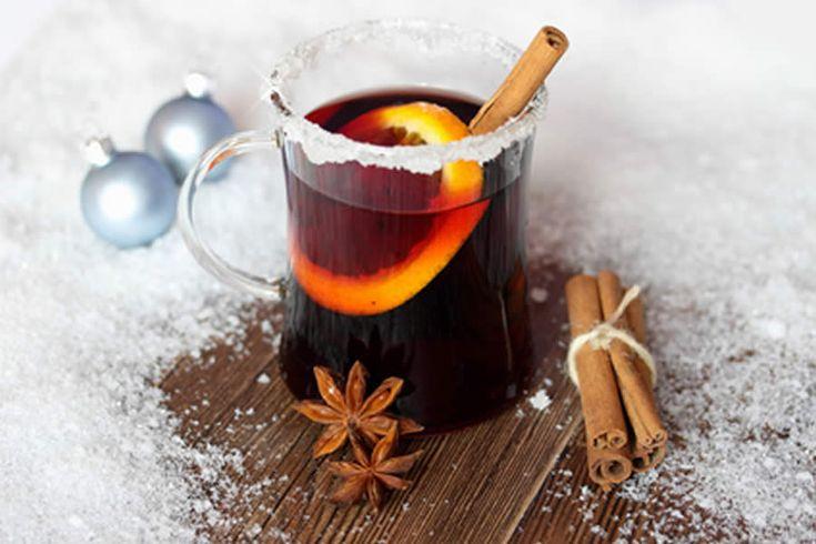 Vin chaud de Noël au thermomix. Voici une autre variante de Vin chaud de Noël au jus de cerises, simple et facile à réaliser avec le robot thermomix.