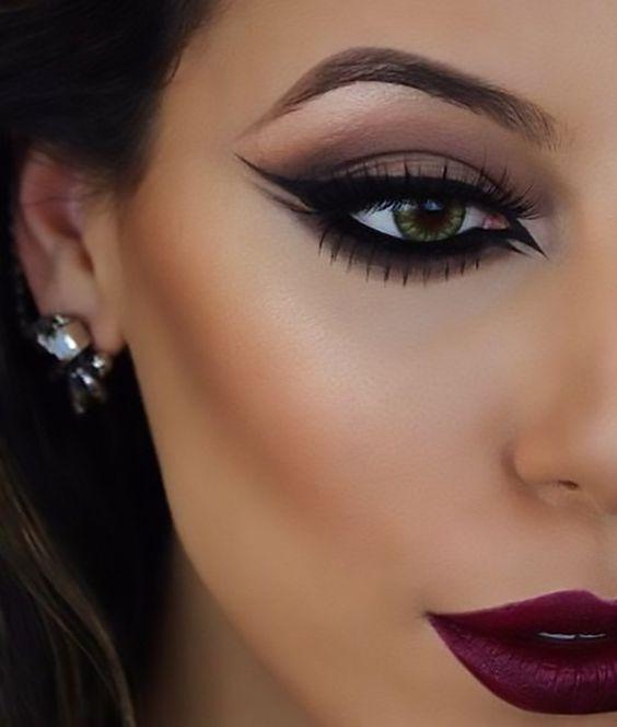 Maquiagem linda com batom vermelho