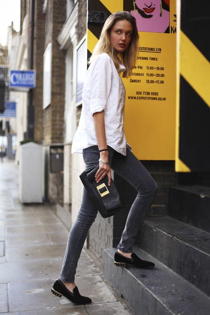 Street Style / grey skinny jeans + black loafers | LOOK ( FEMME ...
