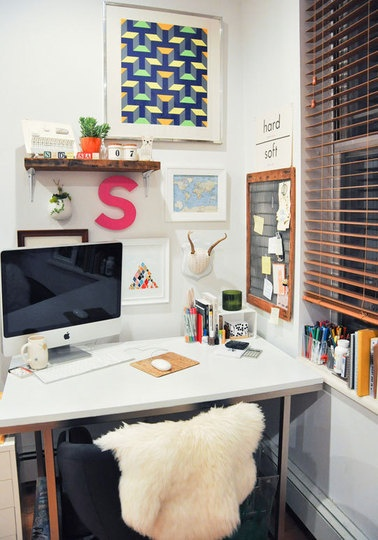 I like this simple white desk.Design Inspiration, Study Area, Office Spaces, Offices Inspiration, Offices Spaces, Small Workspaces, Small Desks, Small Spaces, Home Offices