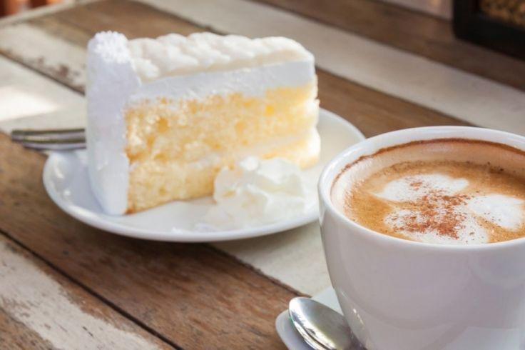 Un gâteau blanc moelleux, délicieux et léger