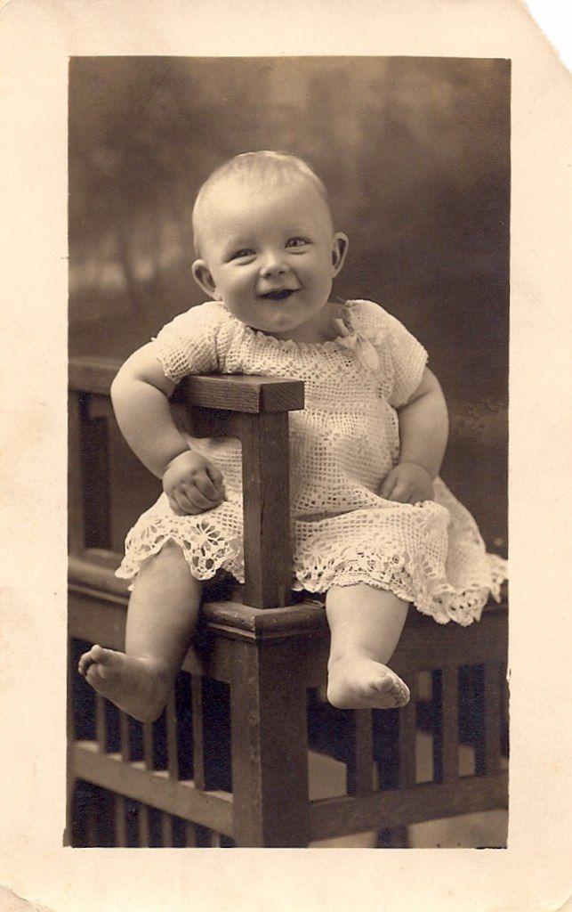 Back of postcard says: Charles Harold Holt 7 1/2 months old, weighed 23 lb.