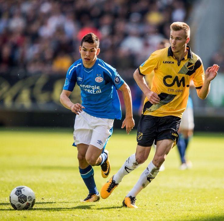 Hirving Lozano zet PSV op 1-3 tegen NAC. 2017-08-20