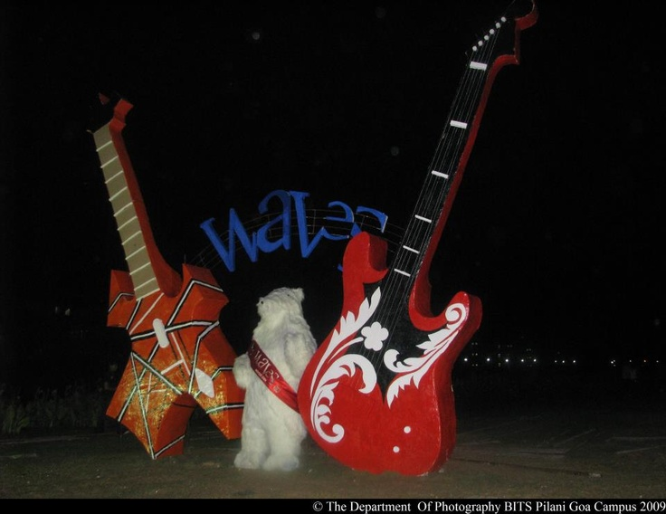 Mascot, Waves 09!