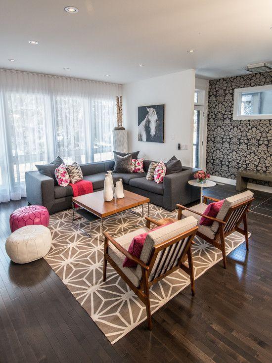 Sofa cinza, almofadas cinza, rosa e prata