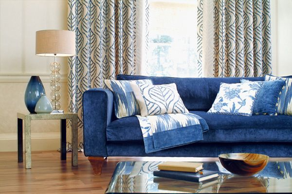 Love this blue lounge! Such a great piece