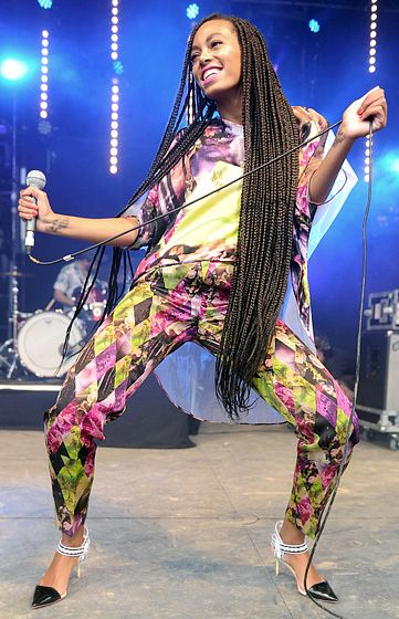 Solange's Got Dreads! Solange debuted long, long dreadlocks performing before a huge crowd at the Glastonbury Festival in Glastonbury, England June 28.