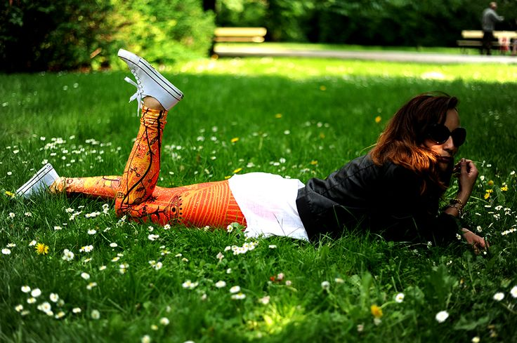 Zapraszamy na www.labelsshop.pl #orange #leggins #grass #coverse #FRIFRU
