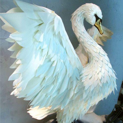 Lovely paper swan in an Anthroplogie Holiday window display - Boca Raton, FL via Anthro Blog