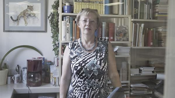 Juliane Koepcke was born a German national in Lima, Peru, in 1954, the daughter of a world-renowned zoologist (Hans-Wilhelm) and an equally revered ornithologist (Maria).