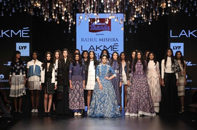 While designer Rahul Mishra has a slot at Paris Fashion Week, this season, Reliance Trends brought the International Woolmark Prize winner down to Mumbai to showcase his Spring/Summer 2016 collection, titled Knots of Love.