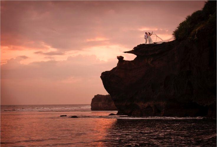Alila Villas Soori in West Bali offers brilliant wedding backdrops for couples who look for a truly beautiful Bali setting to mark their matrimony and renew their wedding vows. #wedding #SooriWeddings #Alila #villa #Soori #retreat #sea #beach #bali