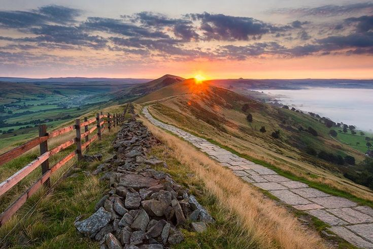 Calling all Jane Austen fans! Peak District | 17 British Landscapes That Are So Beautiful You'll Want To Cry