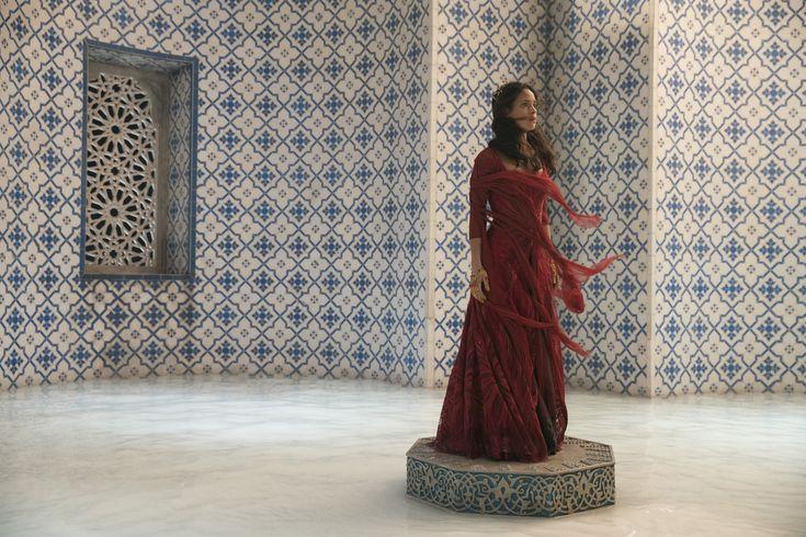 Adria Arjona as Dorothy - Emerald City (2016) (3000×2000)