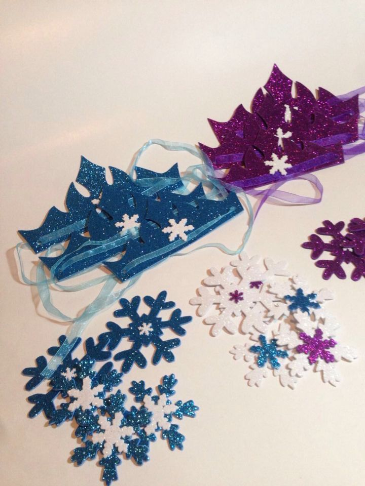 Snow and crowns frozen birthday