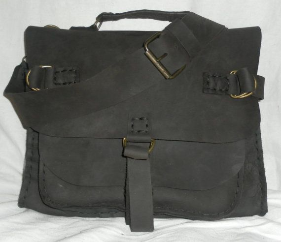 http://www.etsy.com/es/shop/NadiraBag Custom Messenger Bag Handmade Mens Messenger Bag por NadiraBag, $367.00