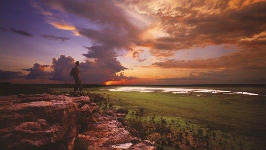 Ubirr, located in  Kakadu National Park is one of our favourite spots to watch the sunset in Australia. Northern Territory. #NTAustralia