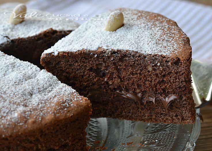 Torta al cioccolato con mandorle e nutella ricetta dolce