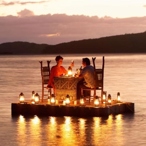 I'd love to have dinner on the water like this.