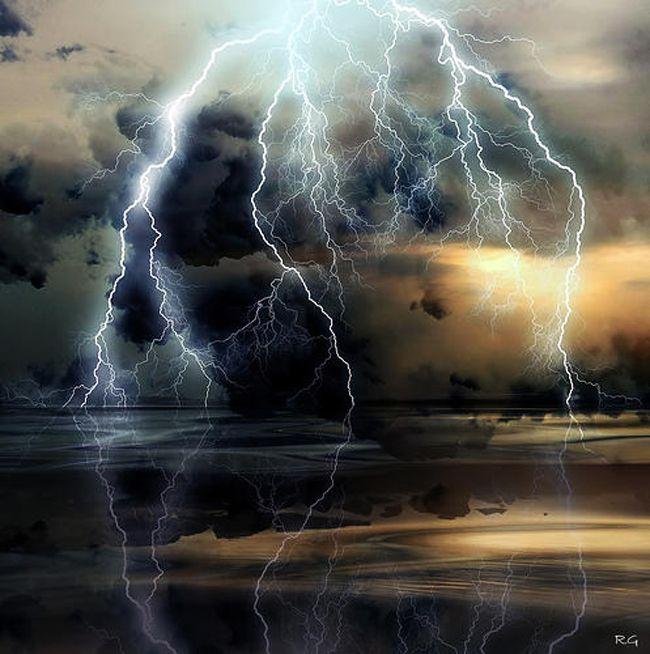 i love lightning storms.... i want to capture one on film #bucketlist     #CheapCaribbean #CCBucketList