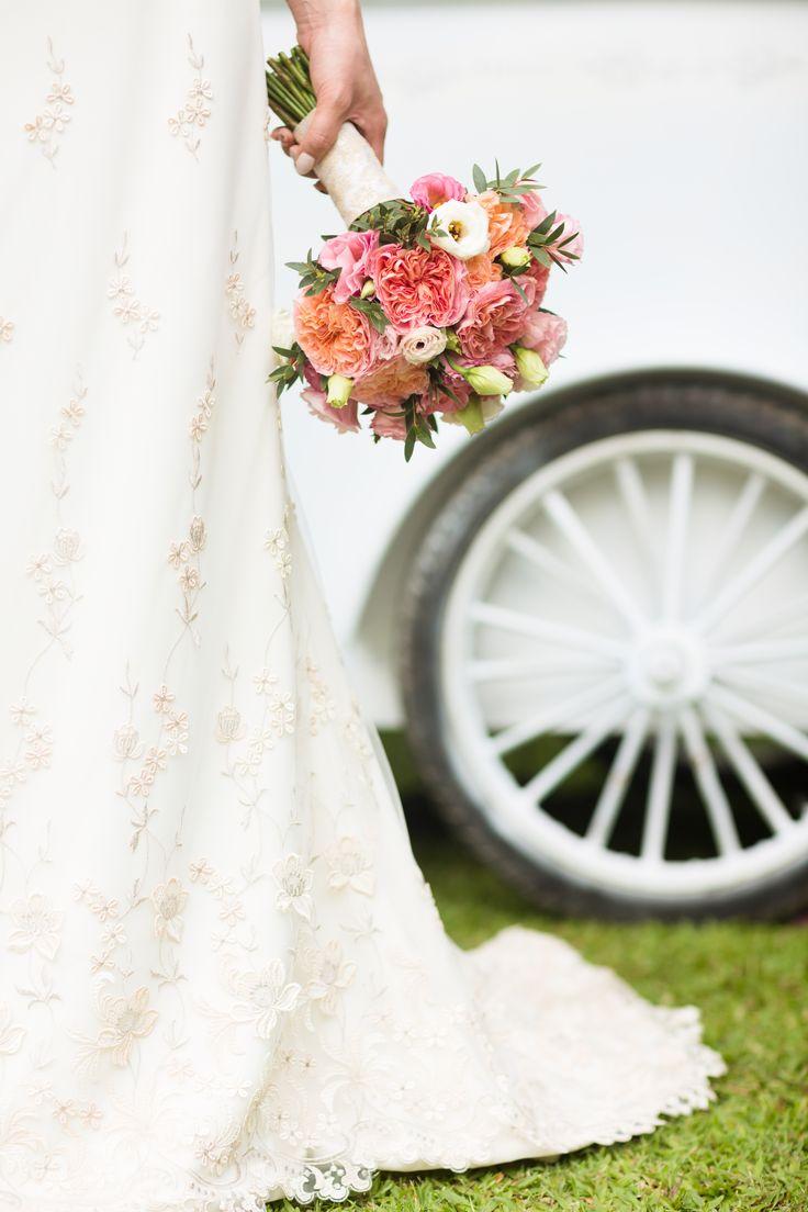 ガーデンローズ&トルコ桔梗のブーケ #wedding #bali #bouquet