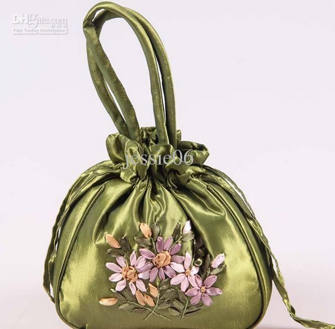 porteurs faveur de mariage à la main broderie ruban sacs de bonbons bijoux cadeau oeuf satin sac de soie mariée sac