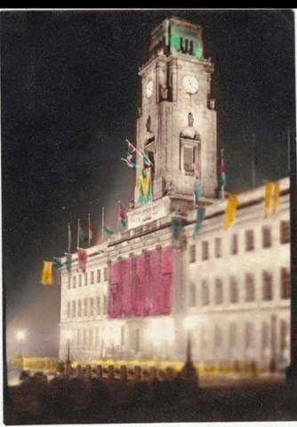Barnsley Town Hall On V.E.Day.