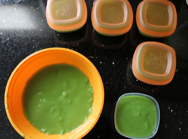 Homemade Baby Food: Pureed Peas *** can be crockpotted