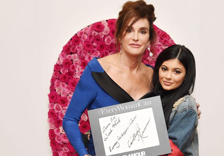 La revista Glamour nombra a Caitlyn Jenner como Mujer del Año.