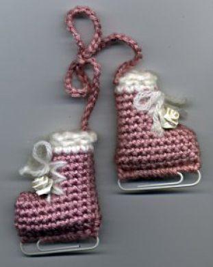Ice Skates Ornament free crochet pattern - Free Crochet Ornament Patterns - The Lavender Chair