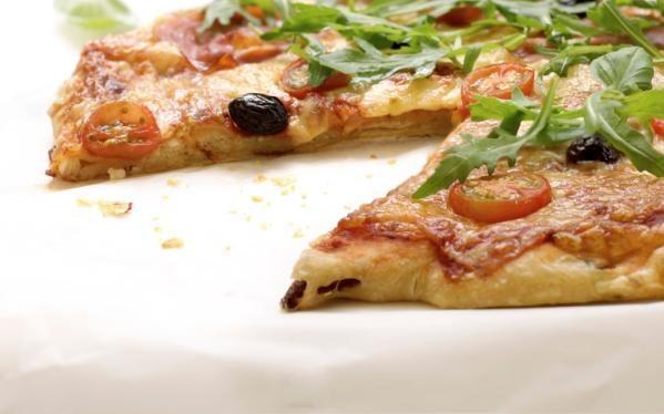 Oppskrift på Hjemmelaget grov pizzabunn