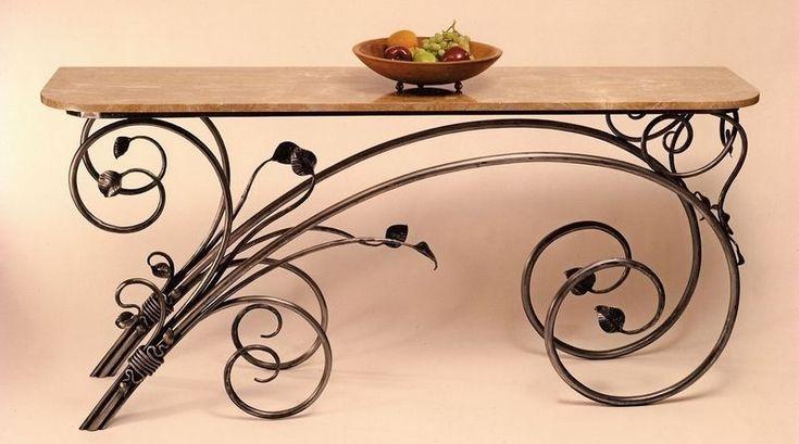 FERRAGEM COM AS FORMAS ORGÂNICAS DA NATUREZA – Este aparador é um belo e raro exemplar da arte metalúrgica, ao mesmo tempo funcional e escultural, com forte influência Art Nouveau. O móvel é …