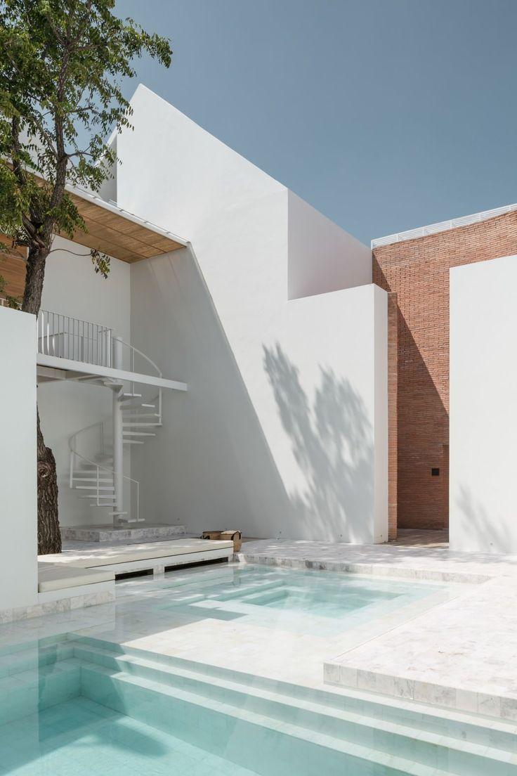 piscina blanca - Todo lo que necesitas saber sobre las piscinas de agua salada