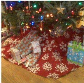 Tutorial Turn A Clearance Tablecloth Into Christmas Tree Skirt