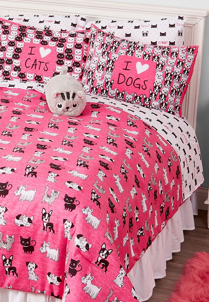 cats & dogs bed in a bag queen/full sizes Kailee bug
