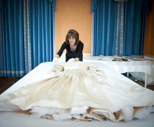 Queen Victoria Wedding Dress Kensington Palace Conservation of ...