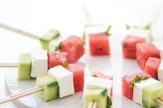 Fraiches et gourmandes, l'été, les brochettes s'invitent de l'apéro au dessert. Faciles et rapides à réaliser, elles laissent libre court à la créativité.