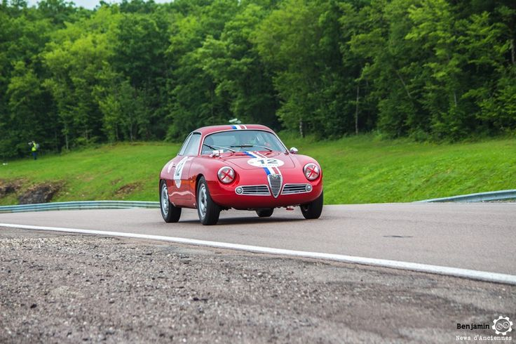 #Alfa_Romeo #Giulietta SZ au Grand Prix de l'Age d'Or. #MoteuràSouvenirs Reportage complet : http://newsdanciennes.com/2016/06/06/jolis-plateaux-beau-succes-grand-prix-de-lage-dor-2016/ #ClassicCar #VintageCar