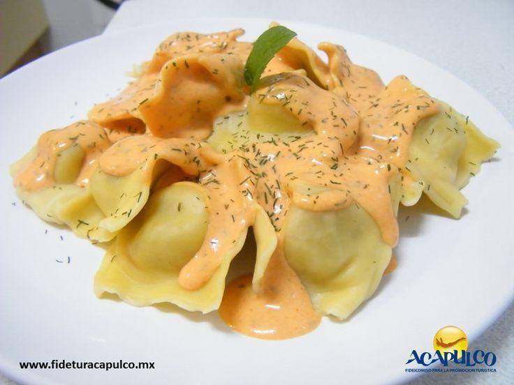 https://flic.kr/p/PRZXVN | Degusta unos ricos ravioles en el restaurante Marco Polo de Acapulco 2 | #gastronomiademexico Degusta unos ricos ravioles en el restaurante Marco Polo de Acapulco. GASTRONOMÍA DE MÉXICO. Si eres fan de la comida italiana, el restaurante Marco Polo de Acapulco, te fascinará, ya que preparan unos ravioles deliciosos rellenos de queso mozzarella, parmesano y de cabra. Obtén más información en la página oficial de Fidetur Acapulco.